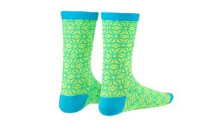 neon-yellow-blue-asanoha-socks 2