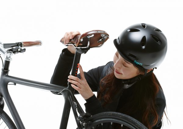 Tija con luz LightSKIN Vuk Bikes Madrid 2