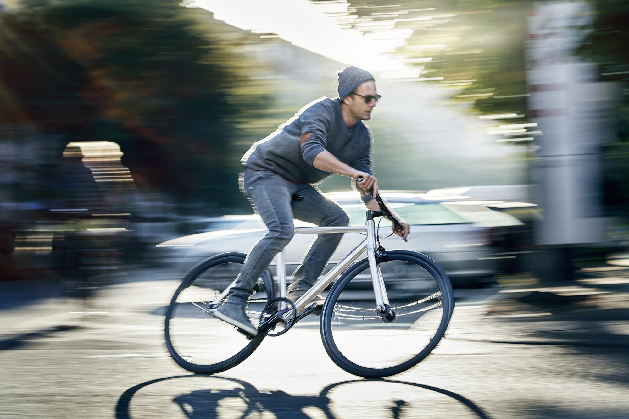 Viktor_2019_Vuk_Bikes_lifestyle_01